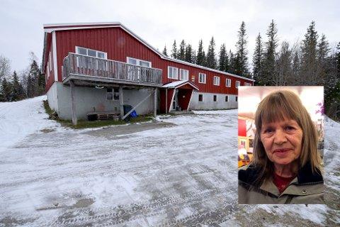 Audhild Sneli driver turistanlegget Halvarstua i Bleikvasslia. Hun sliter med å finne folk som ønsker å kjøpe stedet og ta over virksomheten.