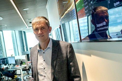 PAPIRLØST: Bort med ringpermer og kaos. Nå er alt i skyen - og det tjener Trond Eirik Kildal Paulsen og PowerOffice stort på. I år vil de doble inntektene til nærmere 180 millioner kroner fordelt på hele 19.000 kunder.