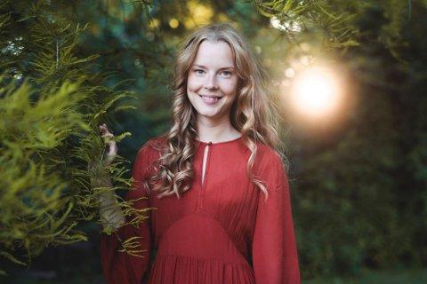 Elin Therese Birkelund har vokst opp i Sverige, men er innerst inne nordlending. Hun er årets solist under Båsmokorets julekonsert.