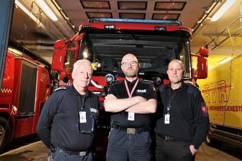 – Vi driver ikke oppsøkende salgsvirksomhet, understreker leder Bjørn Råde i brannforebyggende avdeling, leder Bjørn Kvitnes i feietjenesten og brannsjef Frode Thomassen hos Rana brann- og redningstjeneste til Rana Blad.