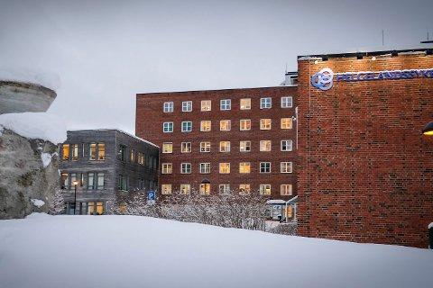 Rana kommune støtter ressursgruppas anbefaling, men vil ha en utredning av et alternativ to også - stort sykehus i Mo i Rana, og et mindre i Sandnessjøen.