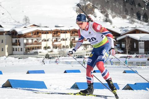 I miksstafetten i EM i skiskyting gjorde Fredrik Gjesbakk sine saker godt og leverte feilfri skyting.