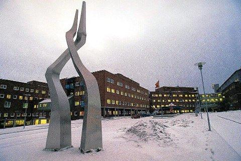Universitetssykehuset Nord-Norge vil ikke ta stilling til hvor framtidas sykehus på Helgeland, bør ligge. Foto: Yngve Olsen Sæbbe