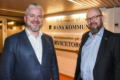 Fylkesmann Tom Cato Karlsen i Nordland og ordfører Geir Waage i Rana kommune synes det var nyttig bli kjent-møte mellom fylkesmannens stab og den politiske og administrative ledelsen i Rana.