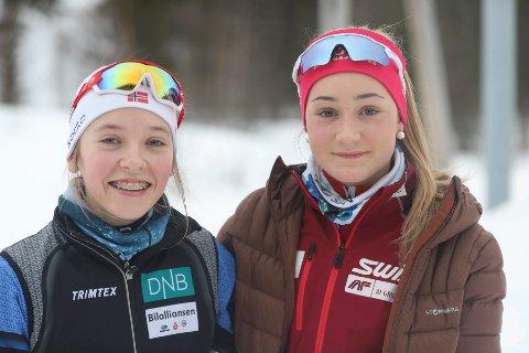 Kristine Ingebrigtsen og Rikke Kalkenberg er begge imponerte over det Emilie Ågheim Kalkenberg gjør i verdenscupen. For løperne i Skonseng UL er hun et stort forbilde.