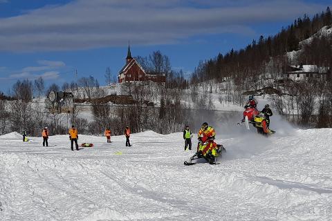 29 førere deltok i Helgelandscupen i Bleikvassli i strålende solskinn.