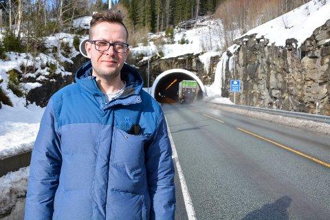 Daniel Alexander Tangstad kjører Bjerka - Mo ofte og opplever støvet i tunnelen som problematisk når det står på som verst.