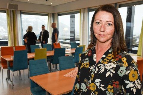 - Det var tungt å fortelle trofaste medarbeidere på allmøtet at NRK Lisensavdelinga skal legges ned, sier konstituert avdelingsleder Elisabeth Brean.