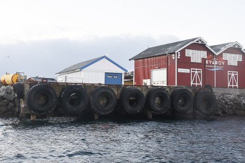 Rådmannen i Lurøy liker ikke at fylkeskommunen skylder på kommunen for at hurtigbåtkaia på Indre Kvarøy ikke var klargjort for de NEX-båtene før de ble satt i drift.