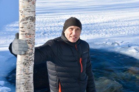 - Helt ærlig, jeg var ikke forberedt på hvor fantastisk det var her, sier produsent Marko Røhr som filmer i Pluragrotta i forbindelse med sin naturtriologi.