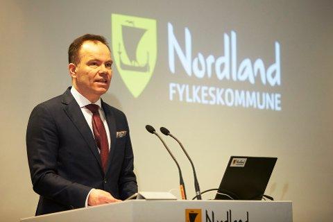 Fylkesråd Tomas Norvoll lover i sitt svar at de skal jobbe for at Nesna blir videreført. Et enstemmig fylkesting ble med på å uttale støtte til studiestedet.