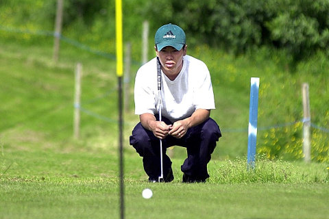 SATSER: Vegard Kvandal er en av de yngre i golfklubben. Men de vil ha flere.