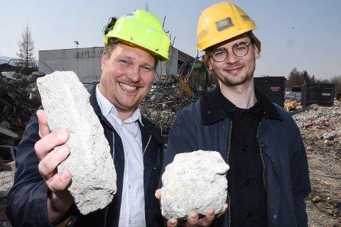 Daglig leder Stein Espen Bøe og trainee Emil Dæhlin ved SINTEF Helgeland gleder seg til å komme i gang med et forskningsprosjekt, som kan bidra til økt gjenvinning av betong i forbindelse med riveprosjekter.