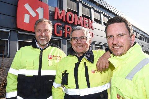 Konsernsjef Wiggo Dalmo er glad over at han fikk kjøpe alle aksjene i Momek Group AS hjem til Rana. Her sammen med påtroppende styreleder Thore Michalsen og driftsdirektør Roger Skatland.