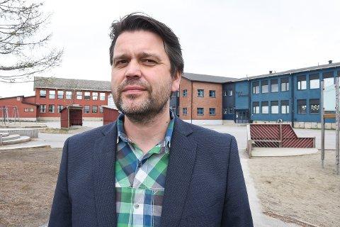 - Trusselen og beskjeden om å evakuere gjorde at vi virkelig fikk testet ut vår beredskapsplan, sier rektor Geir-Åge Helgå ved Gruben barneskole.