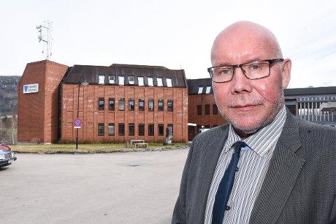- Det er utfordrende å miste nøkkelpersonell. Vi satser på at det skal gå greit å rekruttere nye fastleger, sier rådmann Amund Eriksen i Hemnes kommune.