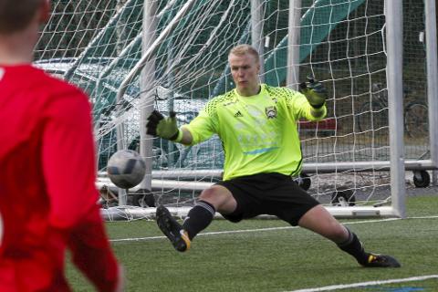 Vegard Fjellgaard og Lurøy FK fikk en tøff start på sesongen med sju baklengsmål.
