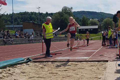 Emilie Bjørkmo Ånonli i lengde.