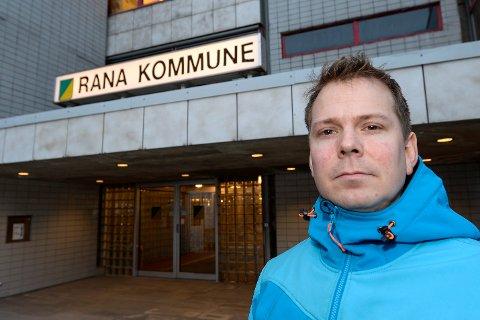 Kommuneoverlege i Rana, Frode Berg skal lage en plan for legetjenesten, der han vil foreslå tiltak for å bedre fastlegesituasjonen i Rana.