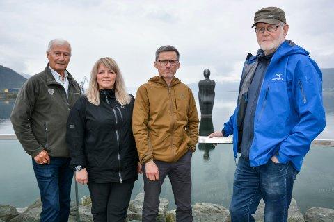 - Blir dette realisert vil det bli en skog av vindmøller på hele Sjonfjellet, som vil være synlig fra svært mange steder på Helgeland, sier Steinar Høgås (f.v), May-Lene Meyer, Kurt Gaup og Robert Bjugn.