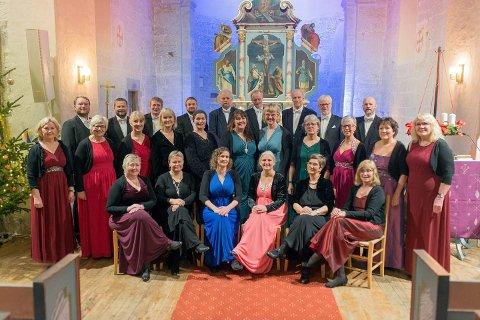 Aktiv sommer: Helgeland Kammerkor er aktive med flere konserter den kommende måneden.