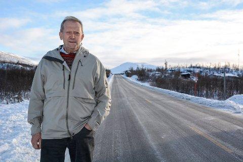 Johan Petter Røssvoll (Sp) vil ha flere parkeringsplasser langs E12.