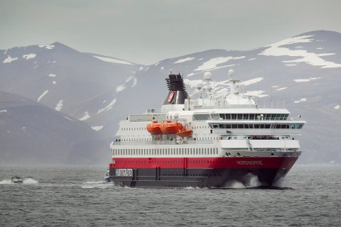 To criuseturer med Hurtigruten til russisk farvann er avlyst. Dette rammer 250 passasjerer.