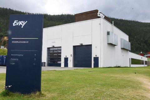 Momek Civil AS og Stigerplatået AS var i tottene på hverandre om millionbeløp etter byggingen av Evry-bygget i 2014 og 2015. Nå er dommen, der begge parter dømmes til millionerstatninger, rettskraftig.