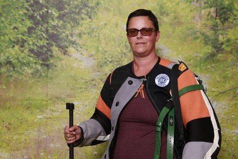 Heidi Hvidsten startet med skyting i januar, traff godt, og klarte fullt hus i sitt aller først Landsskytterstevne.