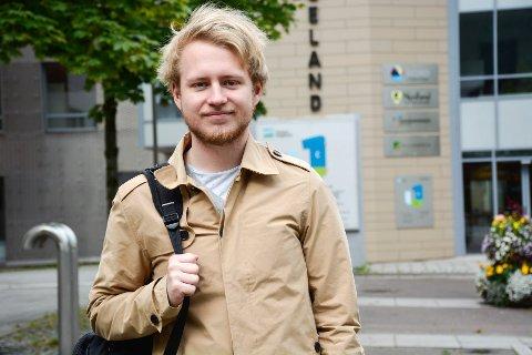 Andreas Grøtte er leder for Rana studentforening og ønsker neste uke nye studenter velkommen.