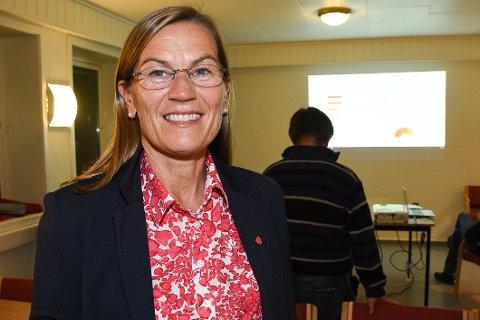 Ordførerkandidat Mette Varem til Hemnes Ap er fornøyd med at partiet hennes ble det største i kommunen. Nå søker Ap ordførermakt.