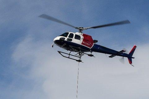 For at pilotene skulle får tid til å bearbeide sorgen etter tapet av en kollega i helikopterulykken i Alta, er selskapets helikopter satt på bakken. Det gjelder også helikopteret med base Mo i Rana.