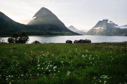 Det er 200 år siden skjelvet rystet Lurøy og store områder rundt. Slåttemarken nedenfor Liatinden måtte oppgis etter steinras som fulgte skjelvet.