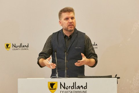 Støttes: Marius Jøsevold får støtte fra fylkesleder i SV, Cristian Tørset, i flyplassaken.