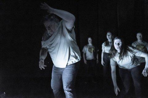 Forestillingen «Folk/Olbmot» kommer til Nordland Teater 16. februar.
