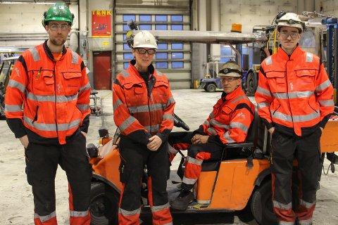 SKAPER VERDIER: Kenneth Nybostad (t.v) Britt Myrmo, Roy Hauan  og Emil Daleng Thorsen er alle med på å skape verdier for Truck og Maskin.
