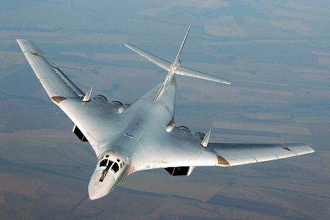 NORGESBESØK: To slike russiske supersoniske bombefly av typen Tupolev TU-160 fløy nært Finnmark onsdag.