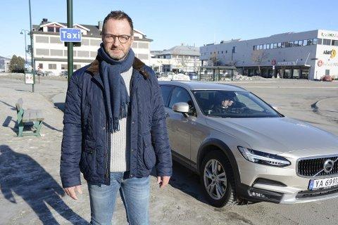 Daglig leder av Mo Taxi, Snorre Luneng er skeptisk til et frislipp av løyver på Mo.