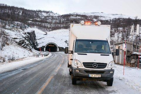 Arbeidet i tunnelen på Umbukta vil pågå ut uka.