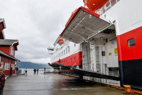 For Nesnaterminalen er godstrafikken med hurtigruta svært viktig. Fra nyttår får de anløp cirka annen hver dag.