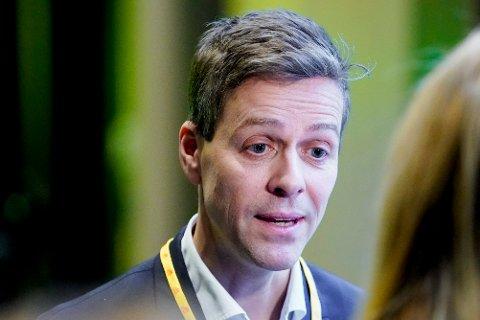 Samferdselsminister Knut Arild Hareide fikk tre konkrete spørsmål fra Rana Blad. Svarene var ikke like konkrete. Foto: Fredrik Hagen / NTB scanpix