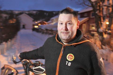 – Jeg er imponert over hva de får til i Hemavan, sier bakkeløpskjører Tommy Øyen fra Storforshei. I helga braker det løs med Hemavan Hill Climb for alle penga. – Jeg kjørte mitt første bakkeløp i Hemavan i 2003, sier veteranen som drømmer om pallplass og mye moro.
