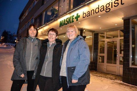 Inger-Hilde Jensen (f.v, ) Hilde Lovise Nyrud og Elisabeth Hanssen. Snart flytter de Maske (butikken) inn i Kirkegata.