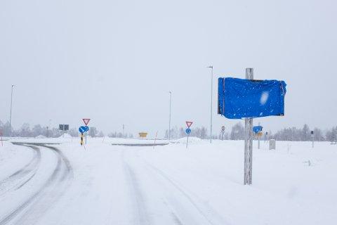 Statens vegvesen bygger ut E6 i både Vefsn og Grane. Bildet er tatt i rundkjøringen hvor E6 møter Fylkesvei 250 like nord for Mosjøen.