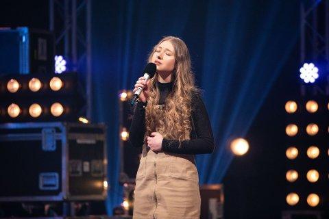 Anna Anita Jaskiv fra Hemnesberget ga alt på scenen i Idol. Nå har hun også funnet tonen med en av konkurrentene. Foto: Thomas Andersen / TV 2