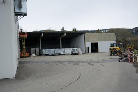 Nordvik AS Mo i Rana utvider lokalene blant annet med å bygge om kaldhallen på baksida.