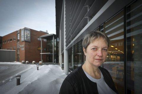AVVIST: Rektor ved Nord Universitetet, Hanne Solheim Hansen, begrunner i en pressemelding hvorfor de mener at vedtaket om å endre studiested fra Nesna til Mo er gyldig.
