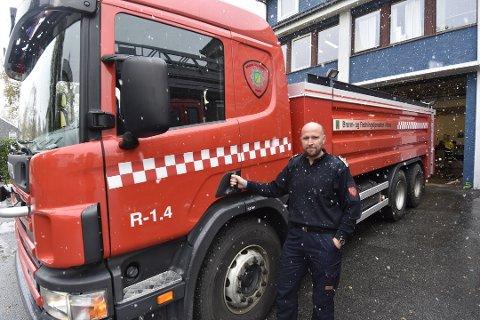 Brannsjef i Rana, Frode Thomassen, gledet seg til å bytte ut den 22 år gamle brannbilen med en nyere tankbil. Nå spørs det om formannskapet og kommunestyret går inn for å øke investeringsrammen med nesten to millioner kroner.