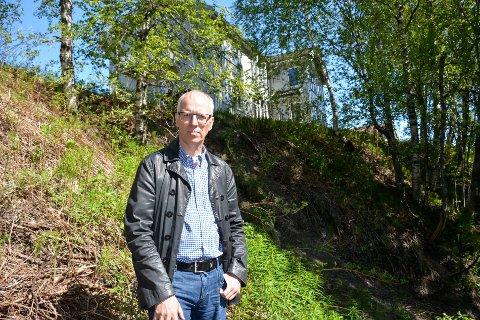 Raset er i et boligfeltet på Båsmoen. Svein Arne Solbakk håper Rana kommune kan komme så raskt som mulig på befaring.