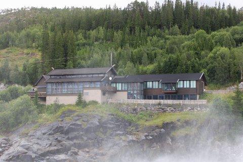 Laksforsen Turistcafe i Grane ble torsdag lagt ut for salg.